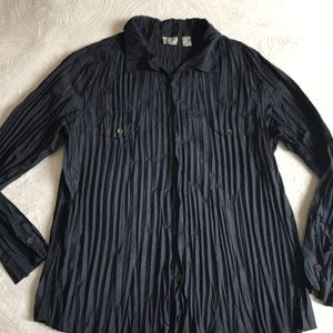 Chicos long sleeved black button down top Sz 3